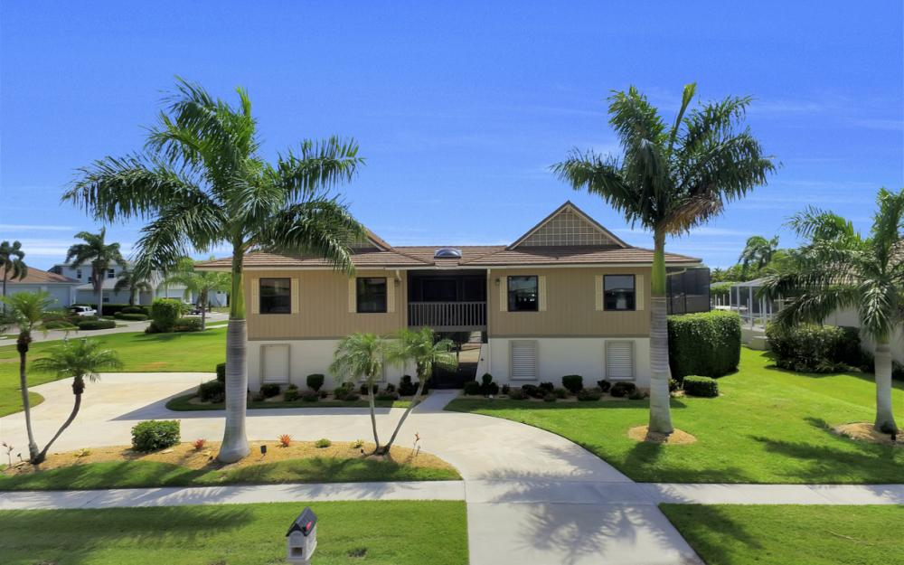 651 Partridge Ct, Marco Island - Home For Sale  1031425269
