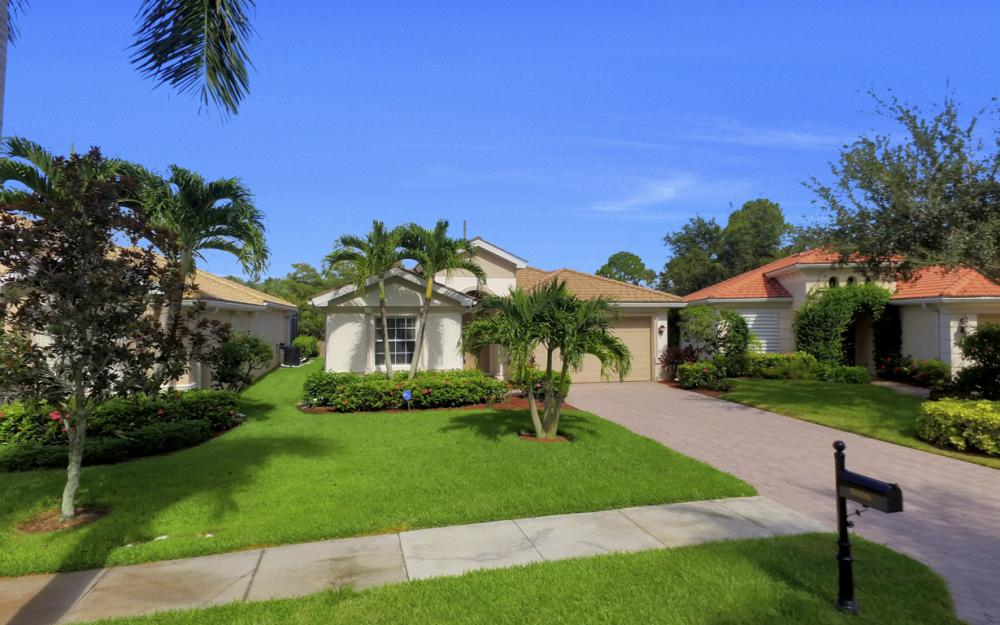 5608 Lago Villaggio Way, Naples - Home For Sale  703535965