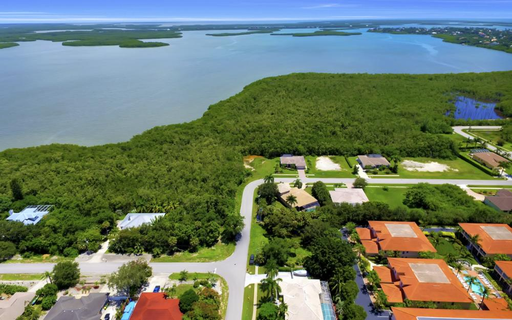 102 Covewood Ct, Marco Island - Home For Sale  1036977486