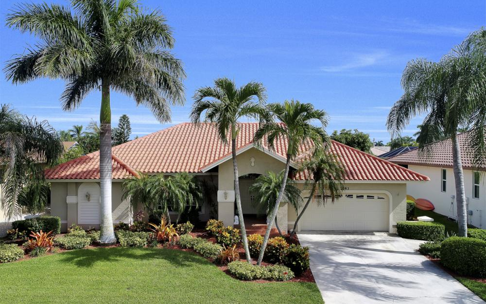 1143 Lighthouse Ct, Marco Island - Home For Sale  53404520