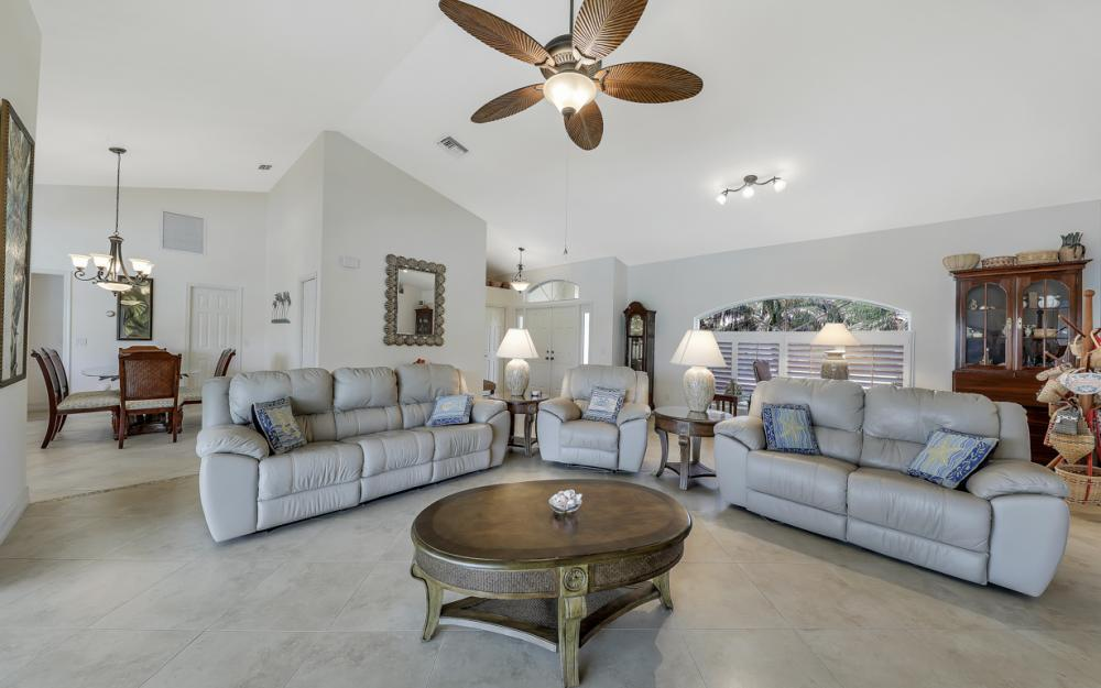 1143 Lighthouse Ct, Marco Island - Home For Sale  641787984