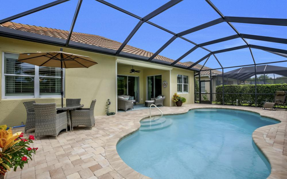 9062 Limestone Ln, Naples - Home For Sale 215263946