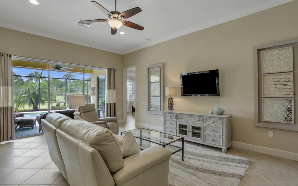 9062 Limestone Ln, Naples - Home For Sale 954459182