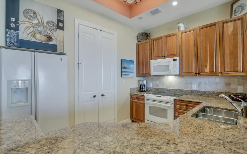 5702 Cape Harbour Dr #403, Cape Coral - Vacation Rental 210615600