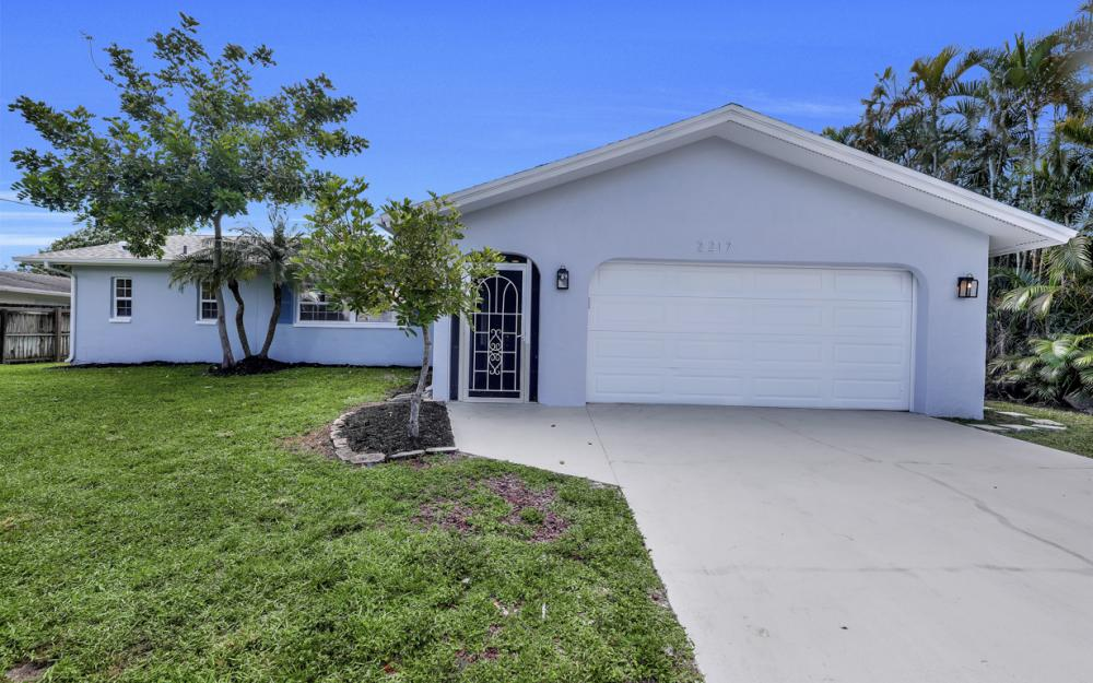 2217 44th Ter SW, Naples - Home For Sale  781059068