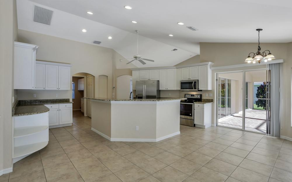 4627 SW 14th Ave, Cape Coral - Home For Sale 1230540593