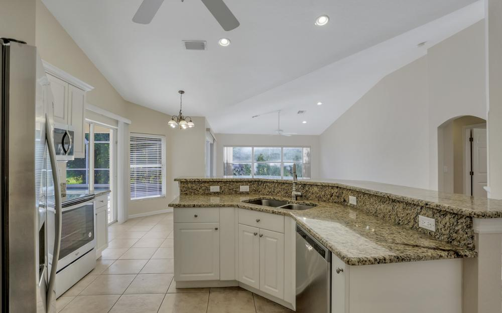 4627 SW 14th Ave, Cape Coral - Home For Sale 1941625243