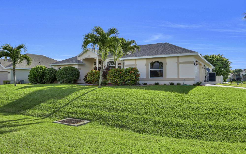 4627 SW 14th Ave, Cape Coral - Home For Sale 70993274