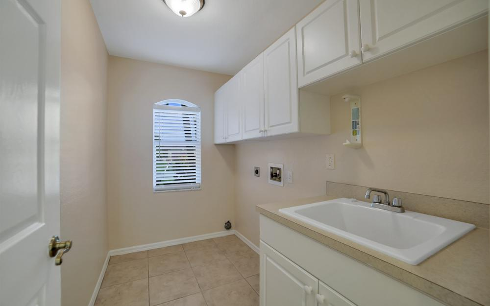 4627 SW 14th Ave, Cape Coral - Home For Sale 412658500