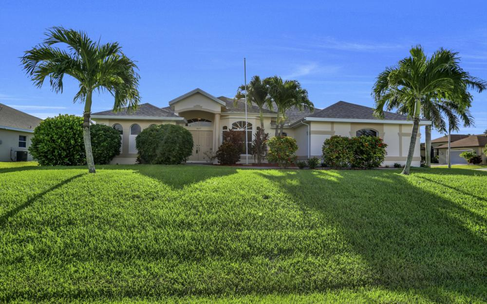 4627 SW 14th Ave, Cape Coral - Home For Sale 342526351