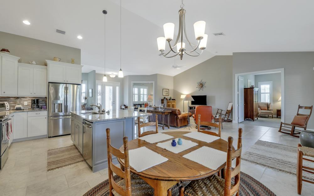 4240 Horse Creek Blvd, Fort Myers - Home For Sale 627202081