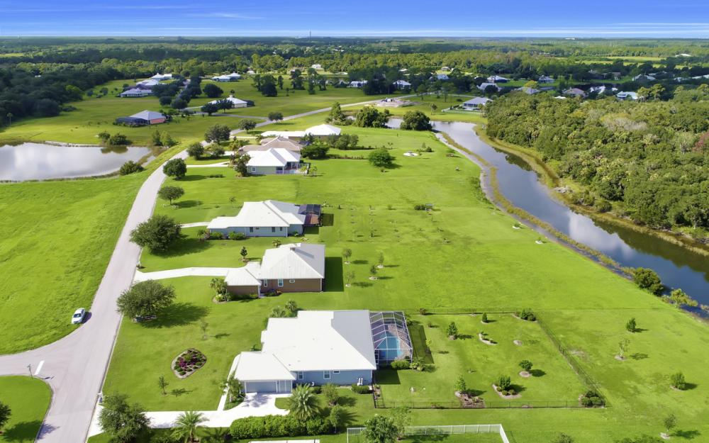 4240 Horse Creek Blvd, Fort Myers - Home For Sale 610842984