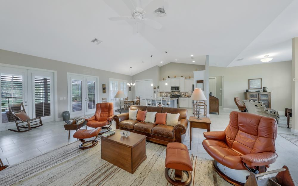 4240 Horse Creek Blvd, Fort Myers - Home For Sale 2089183812
