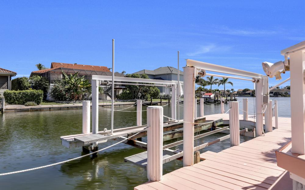 1241 Osprey Ct, Marco Island - Home For Sale 551311359