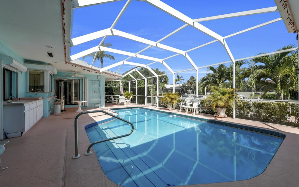 1241 Osprey Ct, Marco Island - Home For Sale 66610907