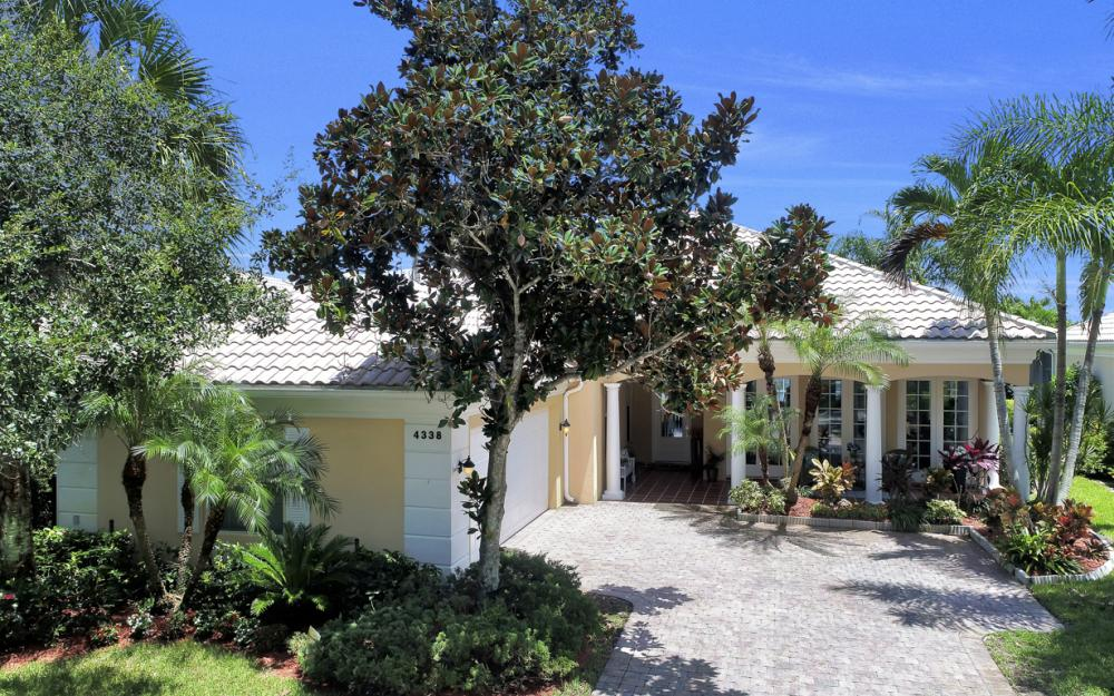 4338 Queen Elizabeth Way, Naples  - Home For Sale 577699877