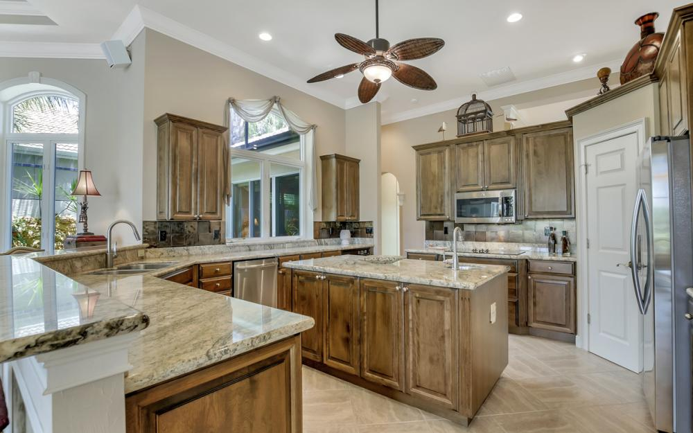 23048 Shady Knoll Dr, Bonita Springs - Home For Sale 946937333