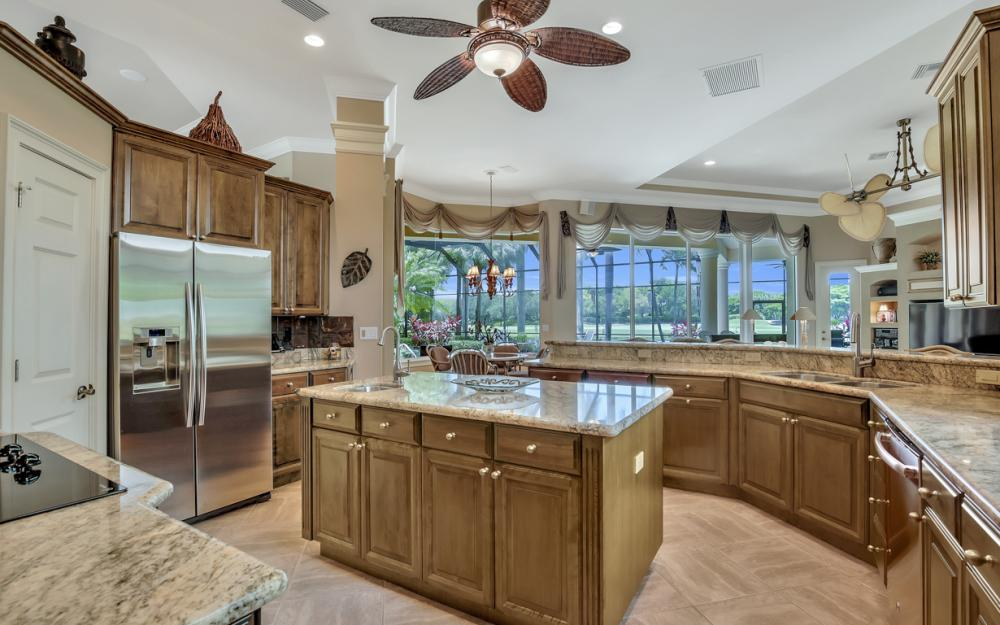 23048 Shady Knoll Dr, Bonita Springs - Home For Sale 1683182778