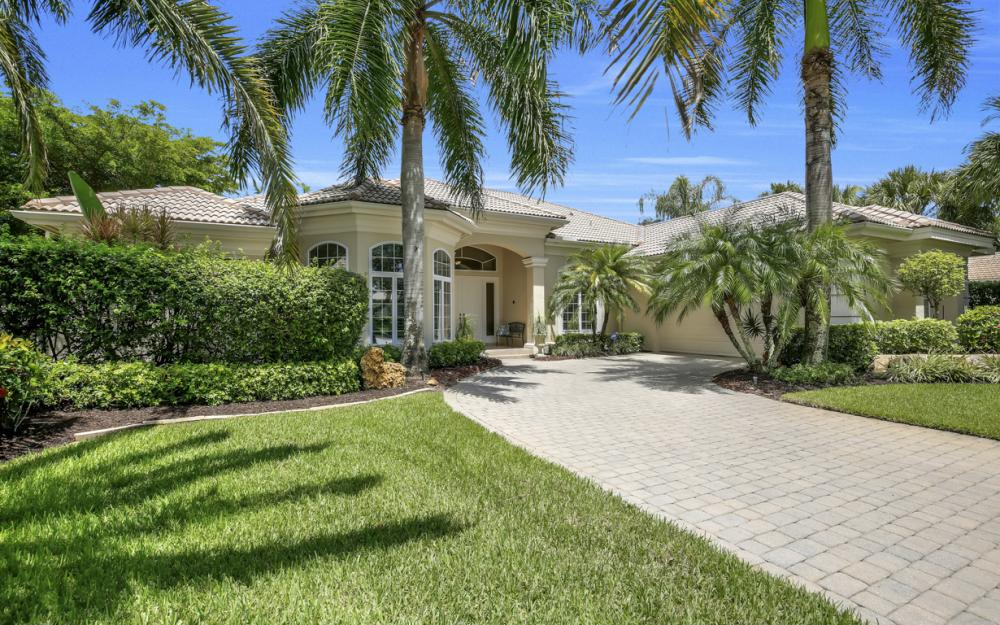 23048 Shady Knoll Dr, Bonita Springs - Home For Sale 2116222002