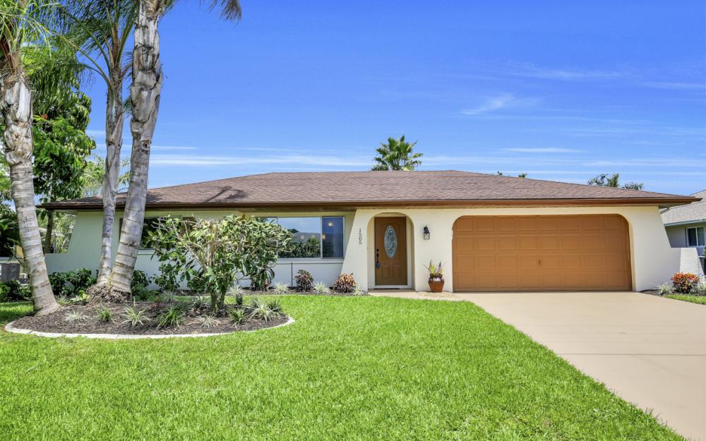 1505 SE 28th Ter, Cape Coral - Home For Sale 1016357738