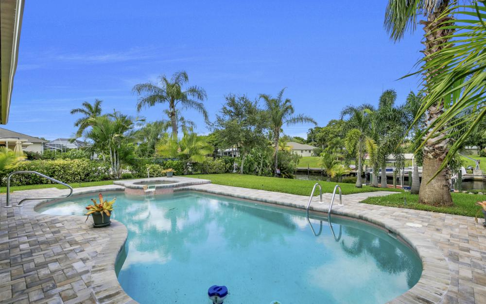 1505 SE 28th Ter, Cape Coral - Home For Sale 214137844