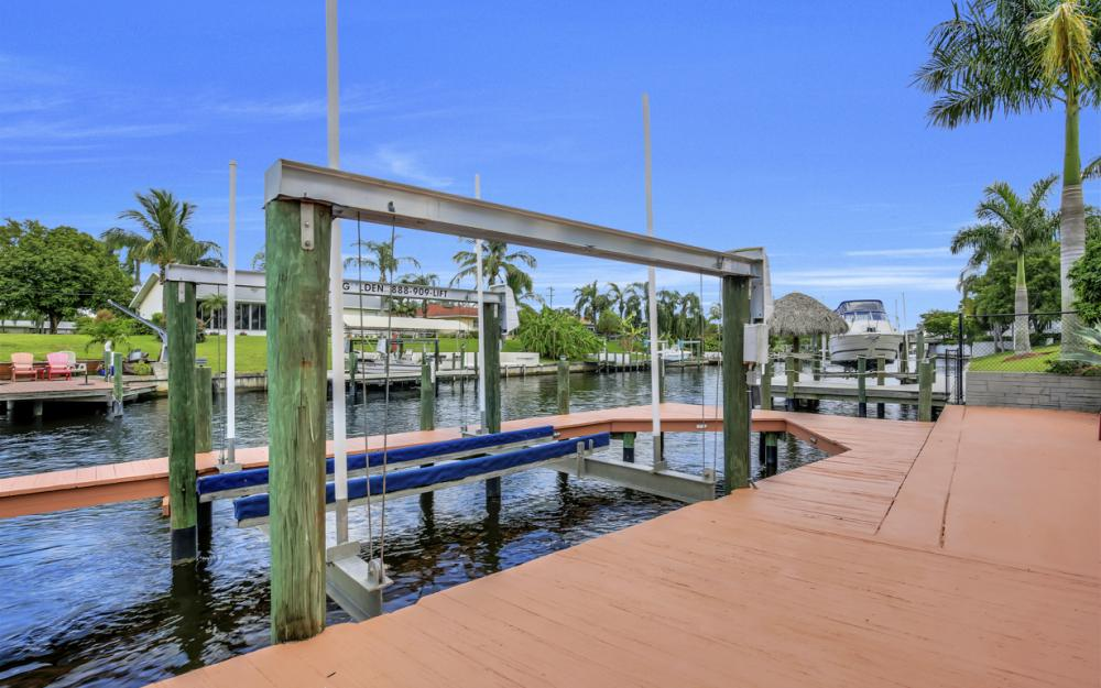 1505 SE 28th Ter, Cape Coral - Home For Sale 706692659
