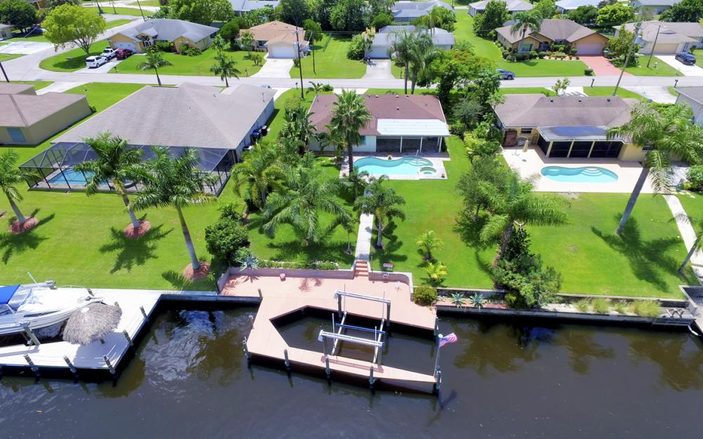 1505 SE 28th Ter, Cape Coral - Home For Sale 467545488