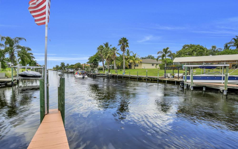 1505 SE 28th Ter, Cape Coral - Home For Sale 241288989