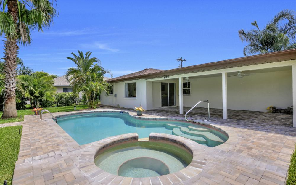 1505 SE 28th Ter, Cape Coral - Home For Sale 334627292