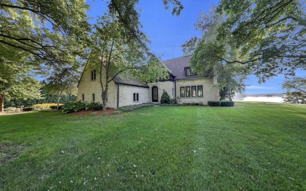 1001 W Hwy 33, Portage - River Luxury Home For Sale 706010606