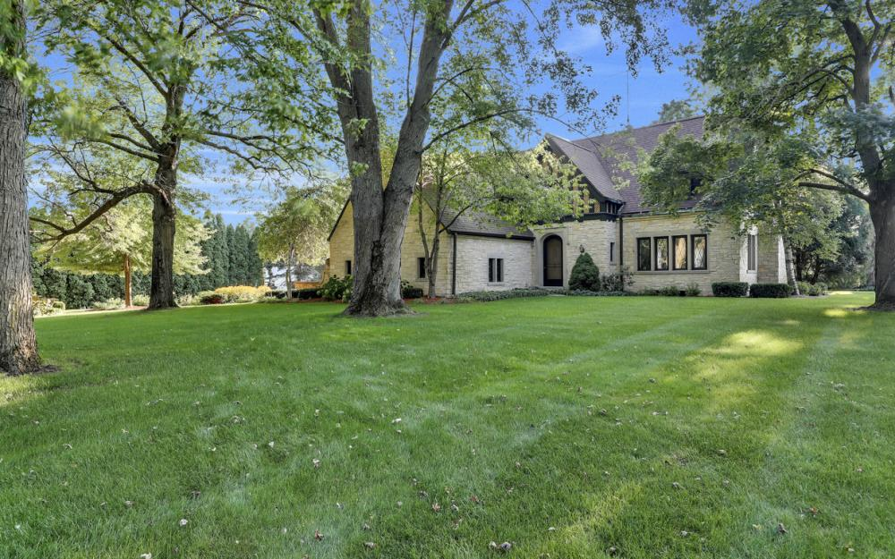 1001 W Hwy 33, Portage - River Luxury Home For Sale 1104813639