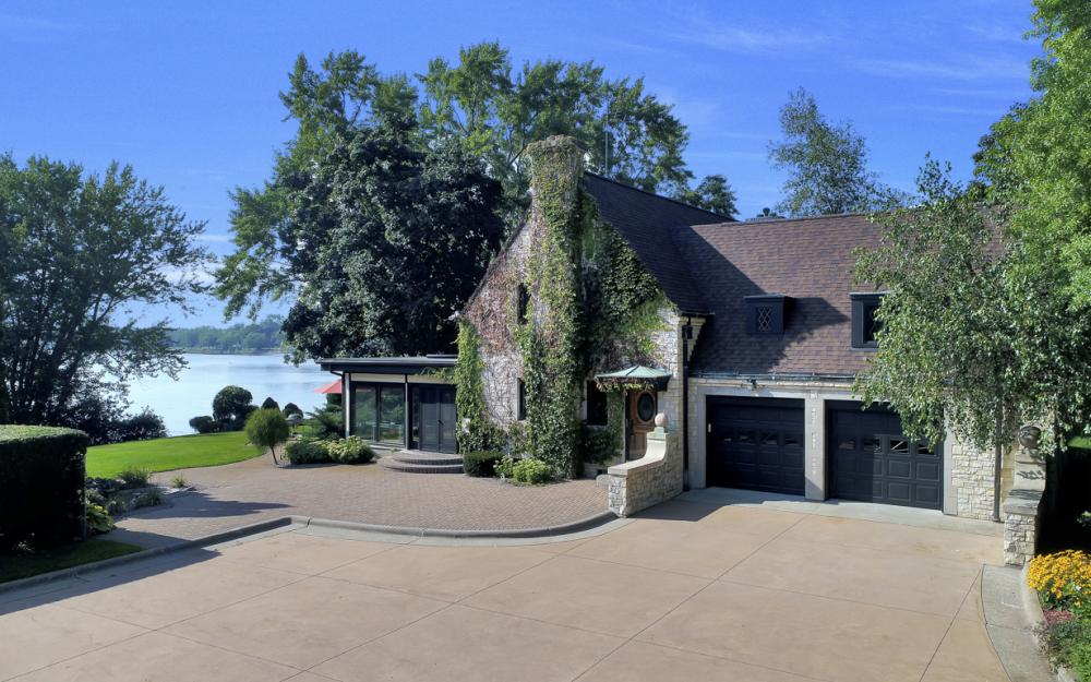 1001 W Hwy 33, Portage - River Luxury Home For Sale 1337844055