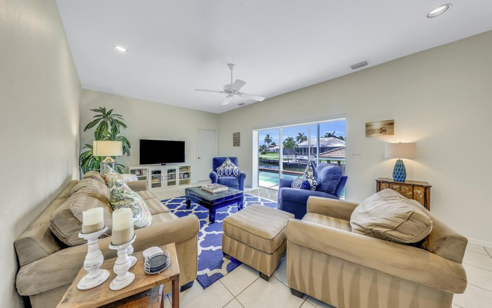 911 Moon Ct, Marco Island - Gulf Access Home For Sale 2124602409