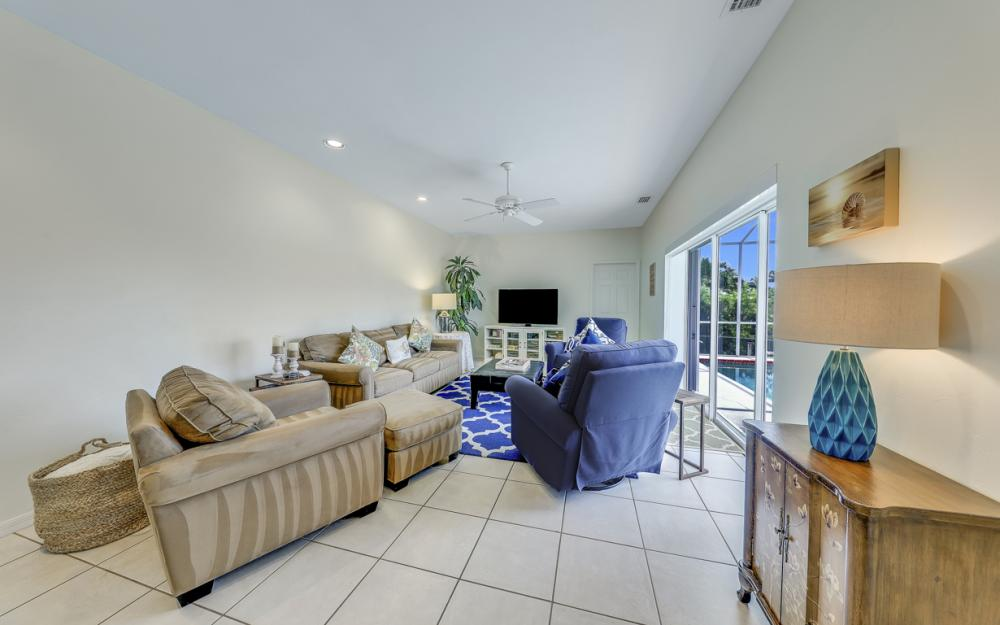 911 Moon Ct, Marco Island - Gulf Access Home For Sale 1374710345