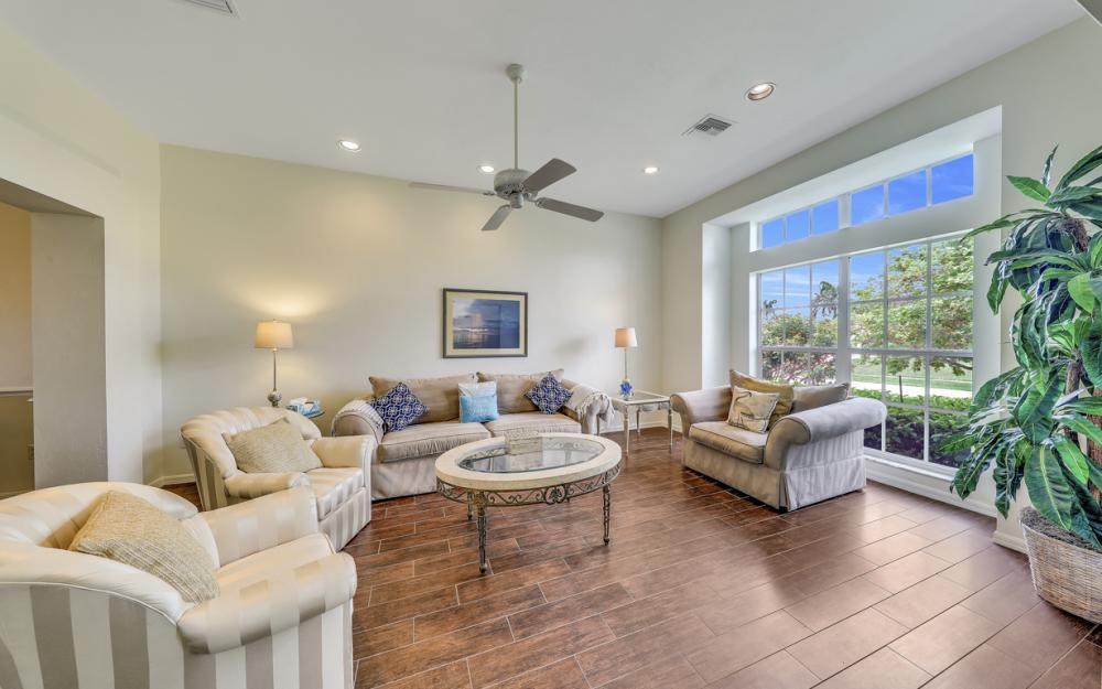 911 Moon Ct, Marco Island - Gulf Access Home For Sale 924141096
