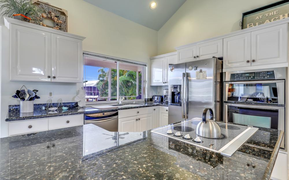911 Moon Ct, Marco Island - Gulf Access Home For Sale 2029978845