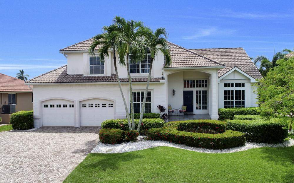 911 Moon Ct, Marco Island - Gulf Access Home For Sale 1997854056