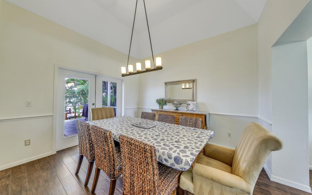 911 Moon Ct, Marco Island - Gulf Access Home For Sale 74707865