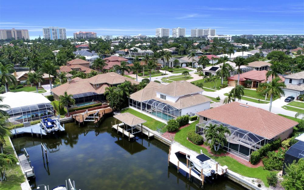 911 Moon Ct, Marco Island - Gulf Access Home For Sale 1015759038