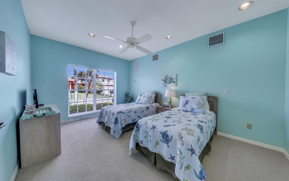 911 Moon Ct, Marco Island - Gulf Access Home For Sale 339102900