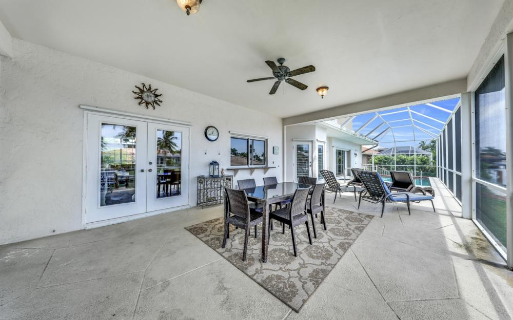 911 Moon Ct, Marco Island - Gulf Access Home For Sale 1942313744
