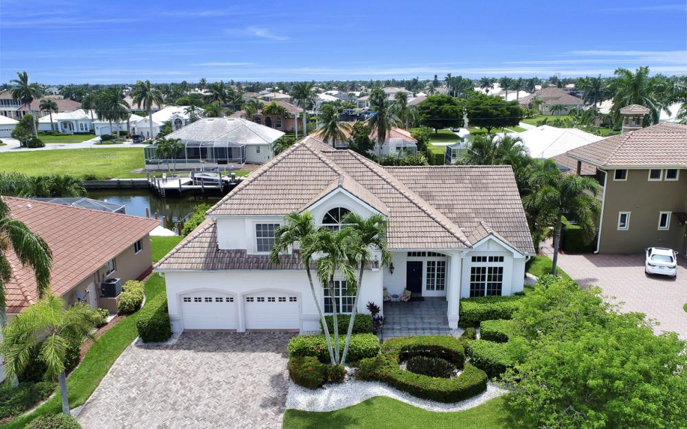 911 Moon Ct, Marco Island - Gulf Access Home For Sale 919768867