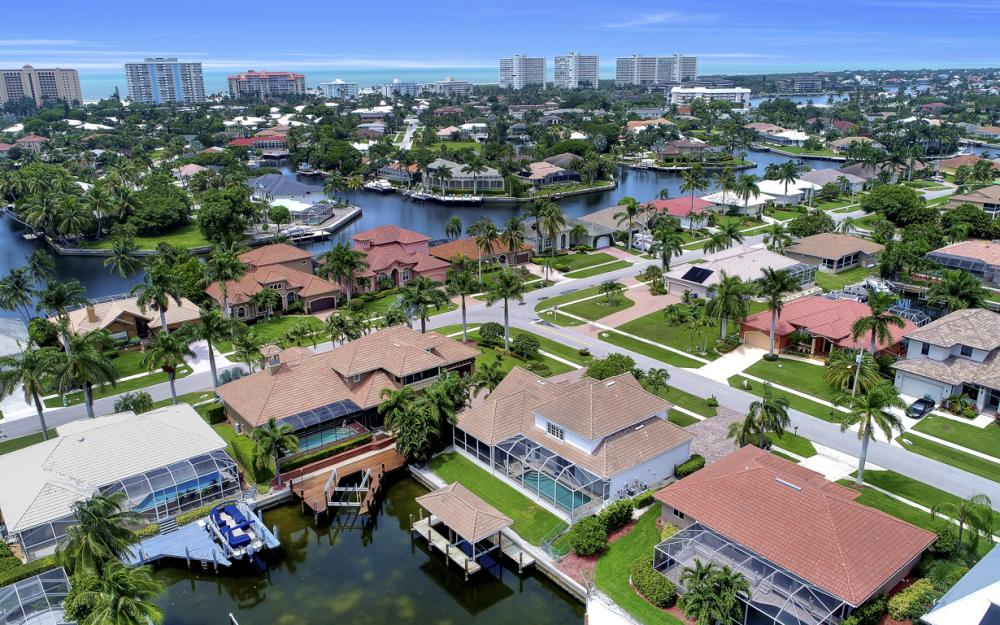 911 Moon Ct, Marco Island - Gulf Access Home For Sale 1705214285