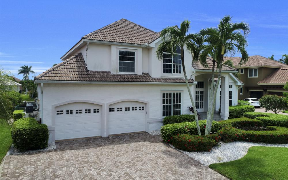 911 Moon Ct, Marco Island - Gulf Access Home For Sale 64227914