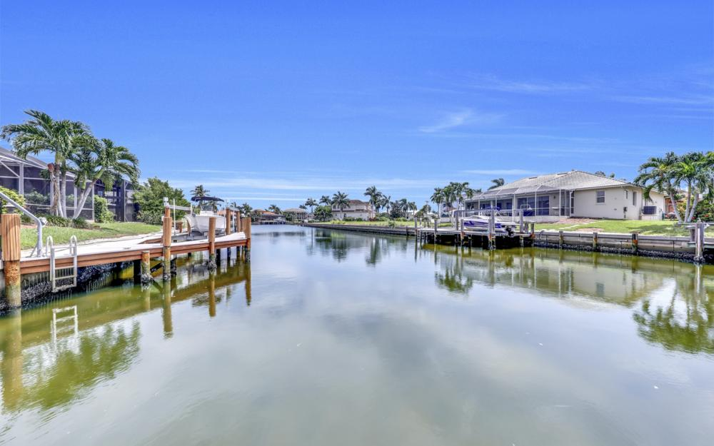 911 Moon Ct, Marco Island - Gulf Access Home For Sale 1330063930