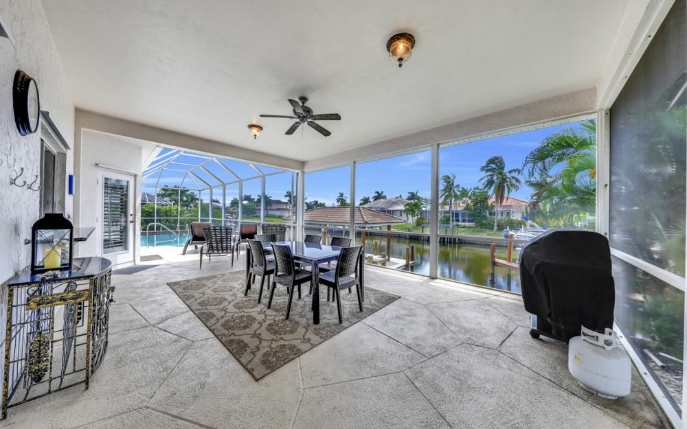 911 Moon Ct, Marco Island - Gulf Access Home For Sale 1974033919