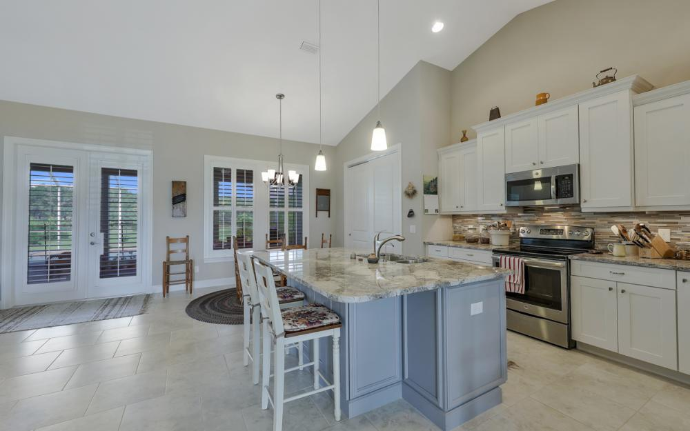 4240 Horse Creek Blvd, Fort Myers - Home For Sale  1164087105