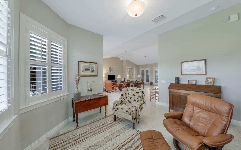 4240 Horse Creek Blvd, Fort Myers - Home For Sale  363417552