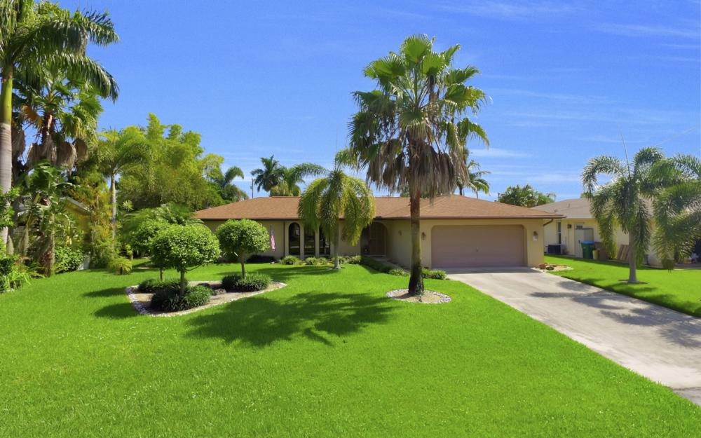 900 SW 54th Ln, Cape Coral - Home For Sale 1272138760