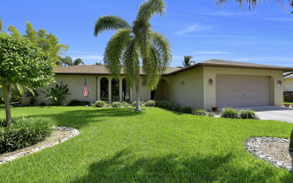 900 SW 54th Ln, Cape Coral - Home For Sale 1856712490